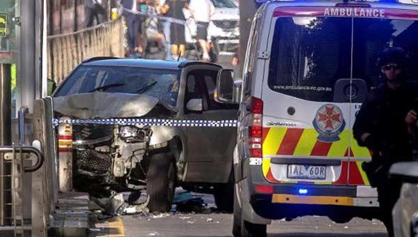 Condutor atropelló a al menos 15 personas en Australia