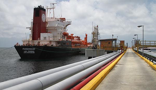 Tanqueros se acumulan en puertos de Pdvsa a la espera de combustible | Foto: Cortesía