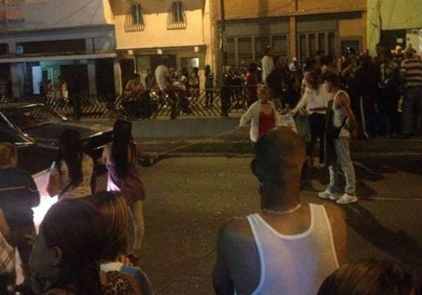 Vecinos de Catia en protesta  Foto: NoticieroDigital
