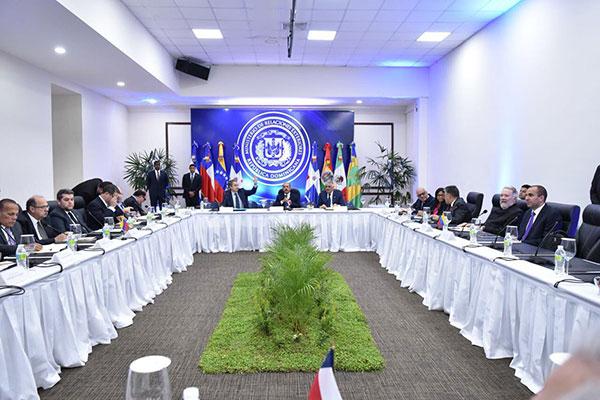El Gobierno y la oposición venezolana siguen con el diálogo en Dominicana