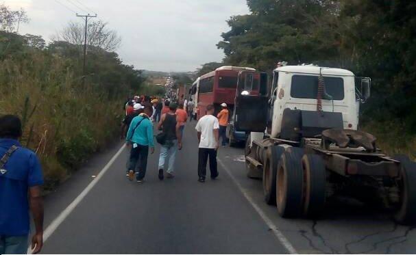 Accidente entre camión y Expresos Guayana deja 5 muertos | Foto: Twitter