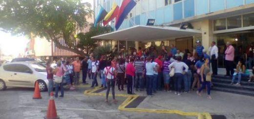 Protestan en Maracaibo por incumplimiento de promesas electorales | Foto: @radiofeyalegria