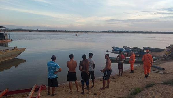 Lancha se volcó en Brasil  Foto cortesía