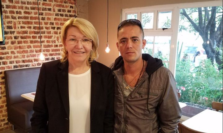 Luisa Ortega Díaz junto al periodista Jesús Medina   Foto: @jesusmedinae
