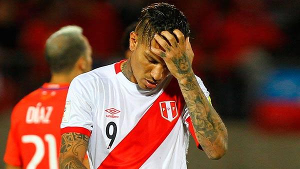 Paolo Guerrero, capitán de Perú | Foto: EFE