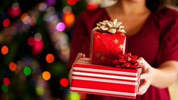 Regalos en Navidad  Foto referencial