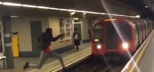 Joven hace un salto mortal delante de un metro en marcha y se vuelve viral | Captura de video