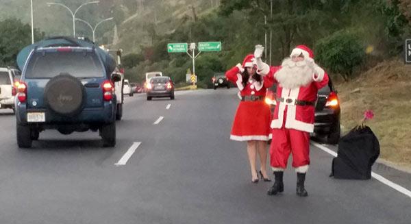 San Nicolás en la autopista Bocayá, Caracas   Foto: Twitter