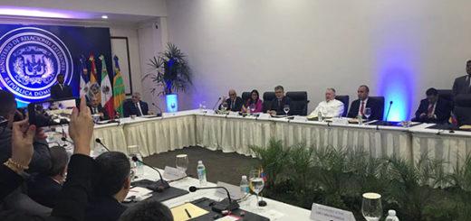 Representantes del Gobierno y la oposición se sientan nuevamente ha hablar |Foto cortesía