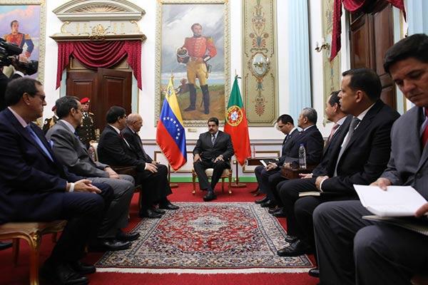 Gobierno de Maduro reunido con representantes de Portugal |Foto: Prensa presidencial