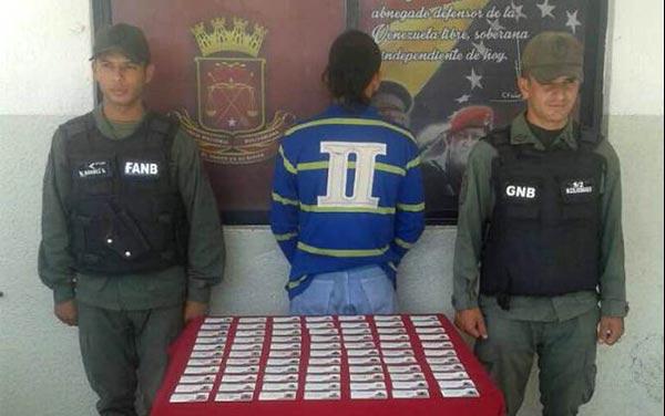 Capturado hombre con 79 carnet de la patria | Foto: Twitter