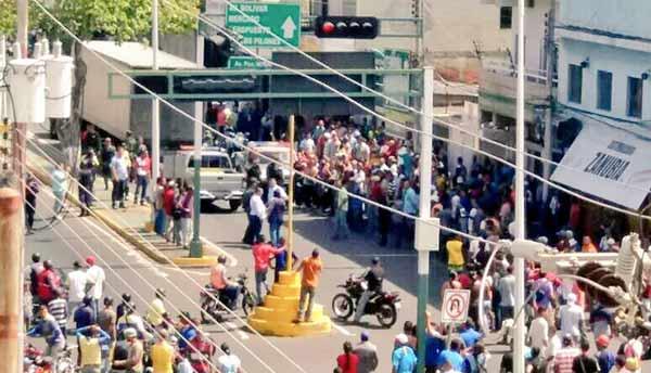 Conato de saqueo en Anzoátegui | Foto: Twitter