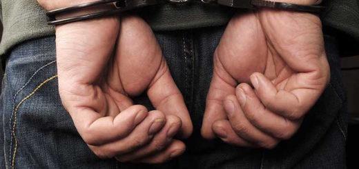 hombre-esposado-deportacion-1
