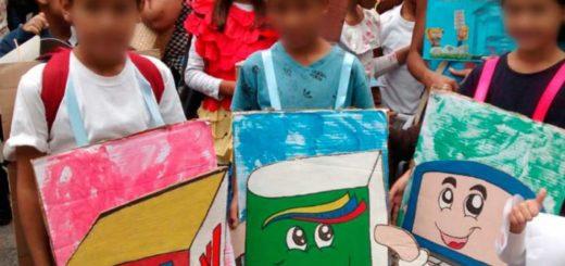 niños se disfrazan con la realidad