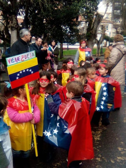 Niños Españoles como heroes Venezolanos