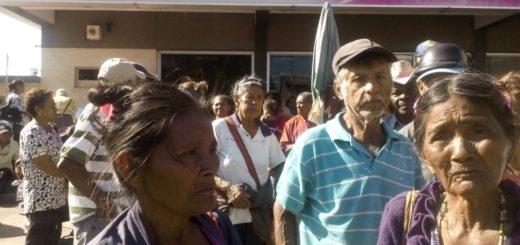 Ancianos de la tercera edad en protesta