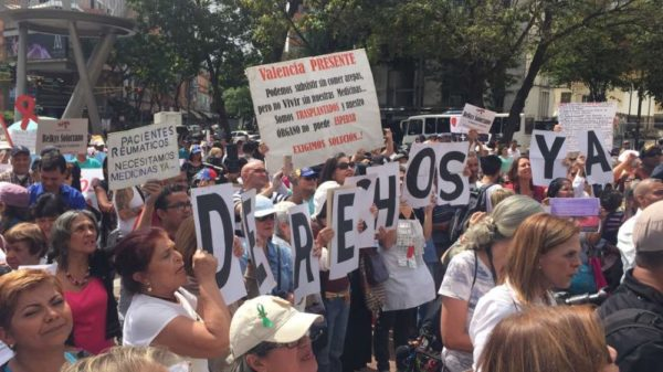 Protestas por la grave crisis en la seccion de la salud