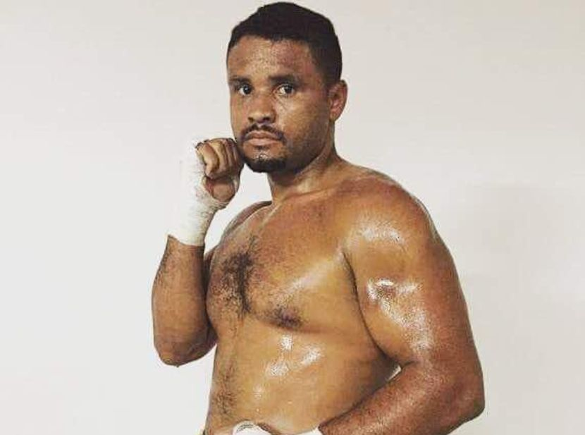 El boxeador profesional Pedro Henríquez