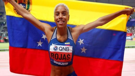 """Venezuela's Yulimar Rojas celebrates after winning the womens' triple jump event of the IAAF Diamond League athletics meeting """"Athletissima"""" in Lausanne on August 26, 2021"""